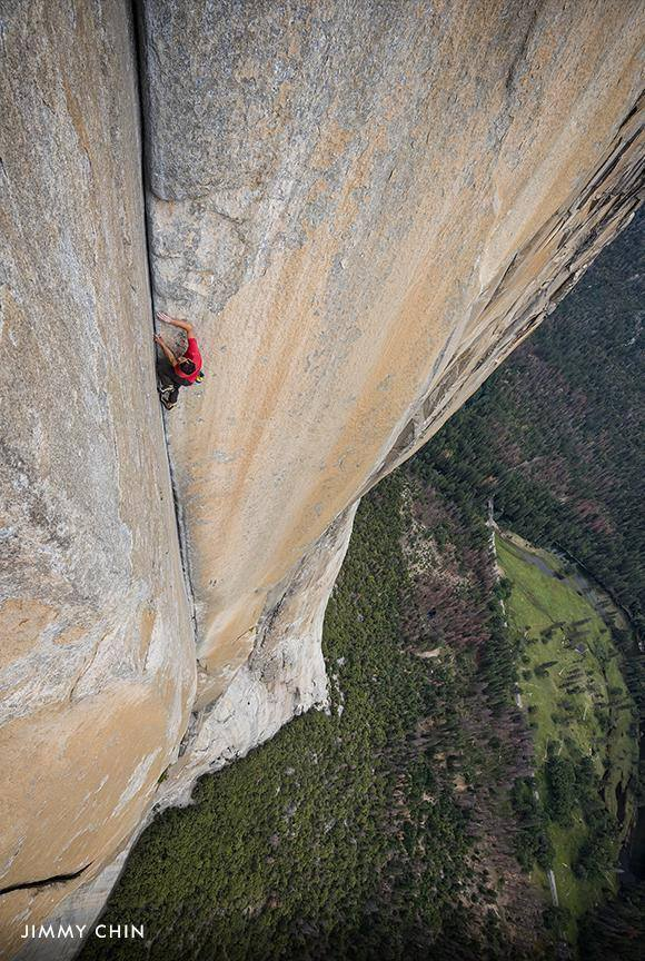Nothing but his own strength and skill keeps climber Alex Honnold secured as he ascends the granite face of El Capitan during his historic 2017 free solo climb. See the epic, years-in-the-making story in theaters this Friday: https://on.natgeo.com/2zAe2RT